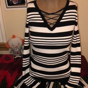 Tops - Long sleeve stripped top size large